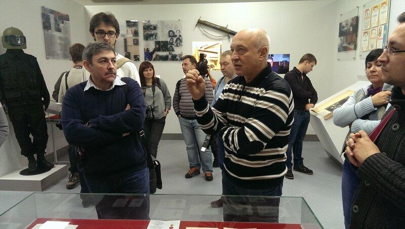 Музей МУРа.Рассказывает полковник в отставке П.А. Лукашенко.jpg
