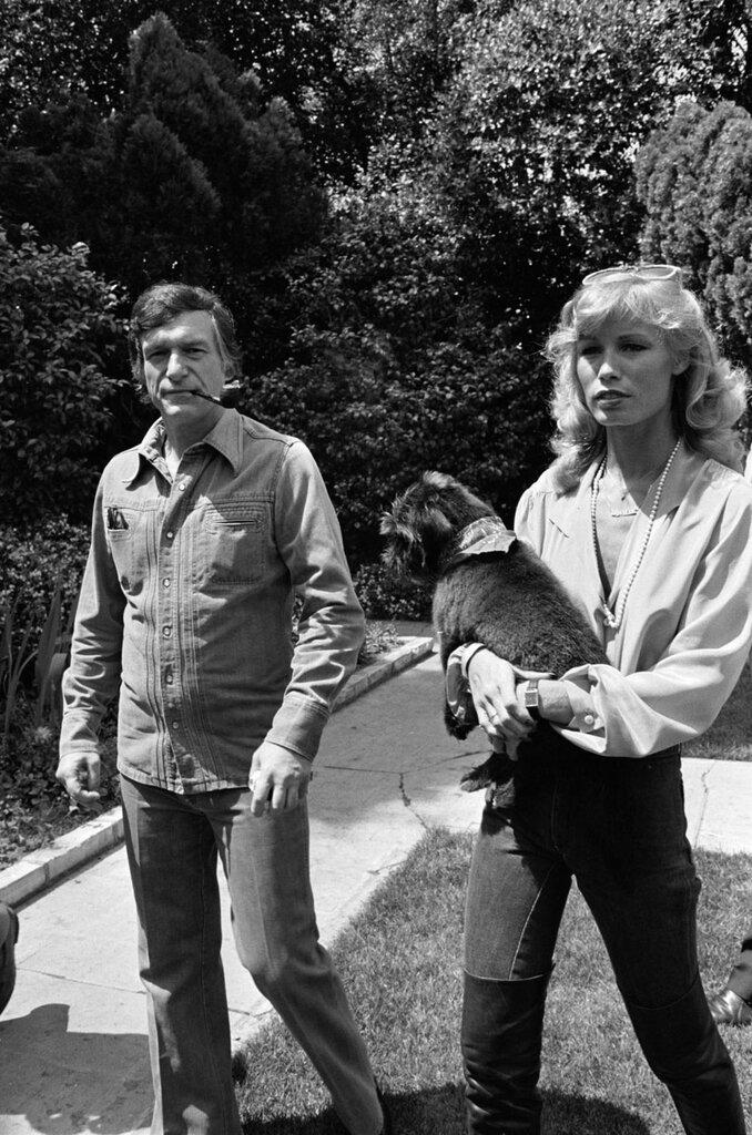Хью Хефнер (Hugh Hefner), 1977 with Sandra Theodore