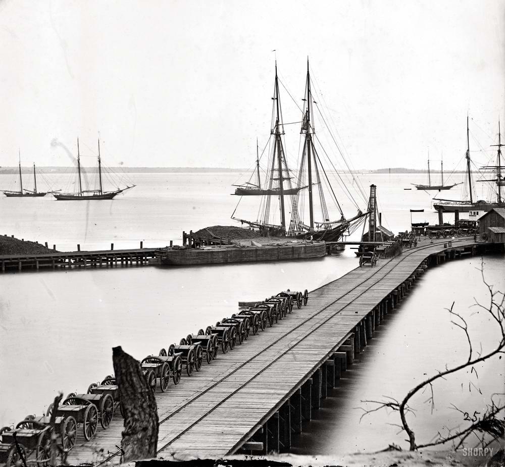 Корабли, речные суда и военные моряки на снимках американских фотографов конца 19 века (9)
