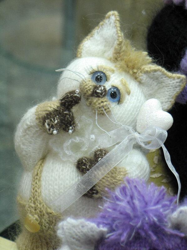 Как сделать куклам домик своими руками