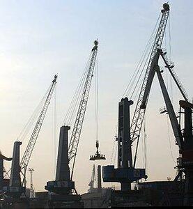 В текущем году Владивостокский морской рыбный порт увеличил перевалку рыбной продукции на 25,8 процента