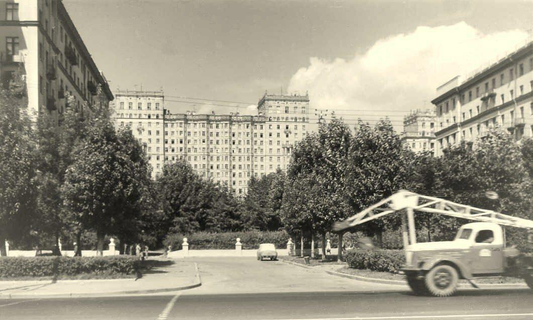 1965. Фрунзенская наб.50