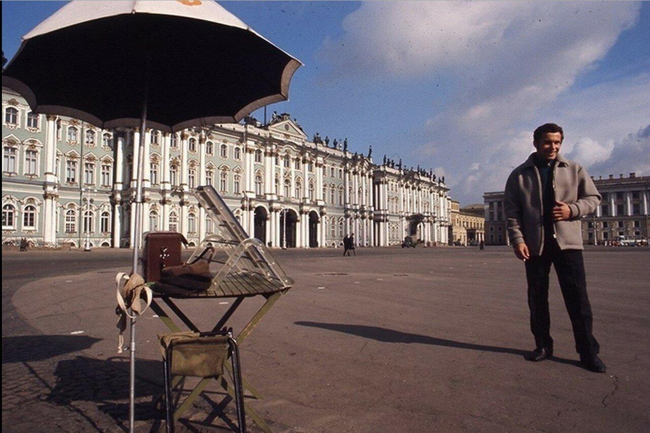 14. Фотограф на Дворцовой площади