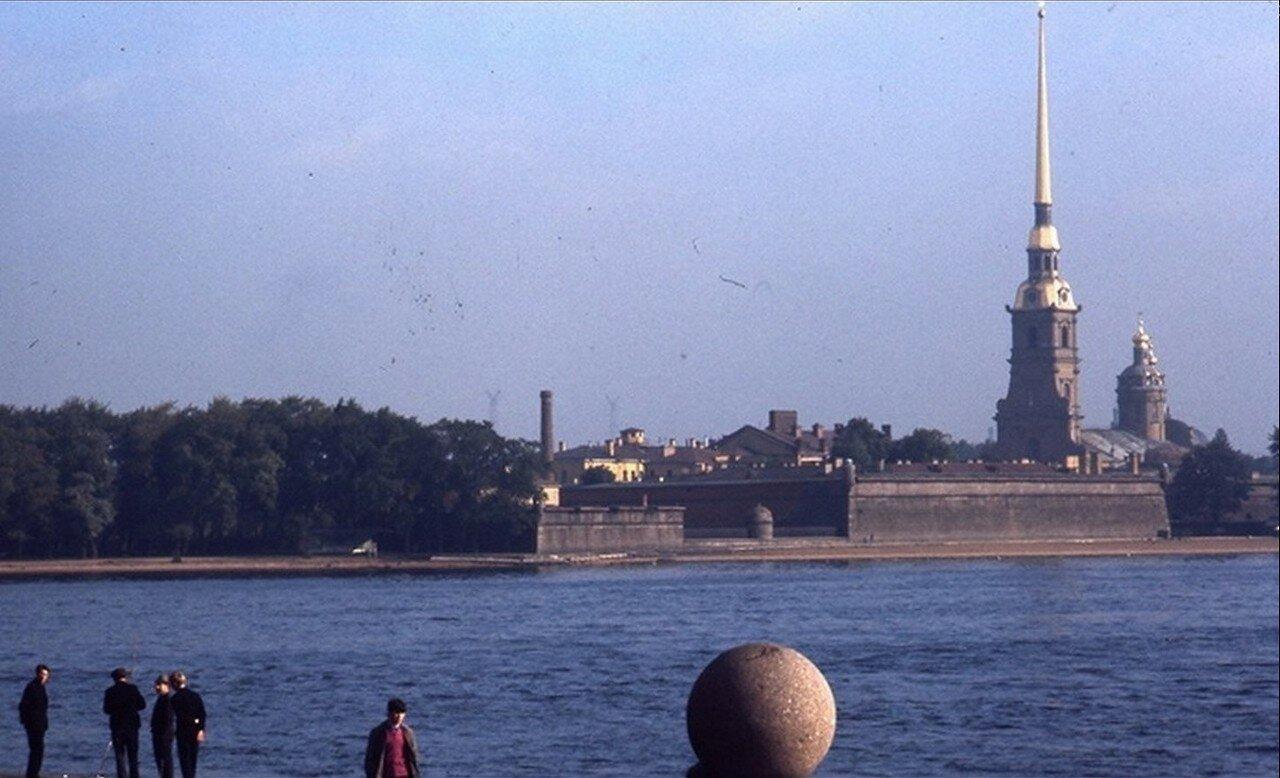 08. Вид на Петропавловскую крепость