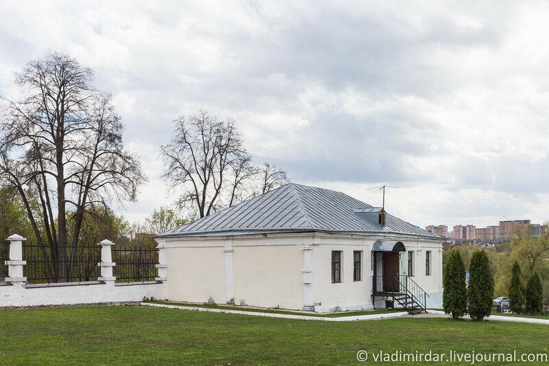 Восточный флигель. Усадьба Дубровицы.