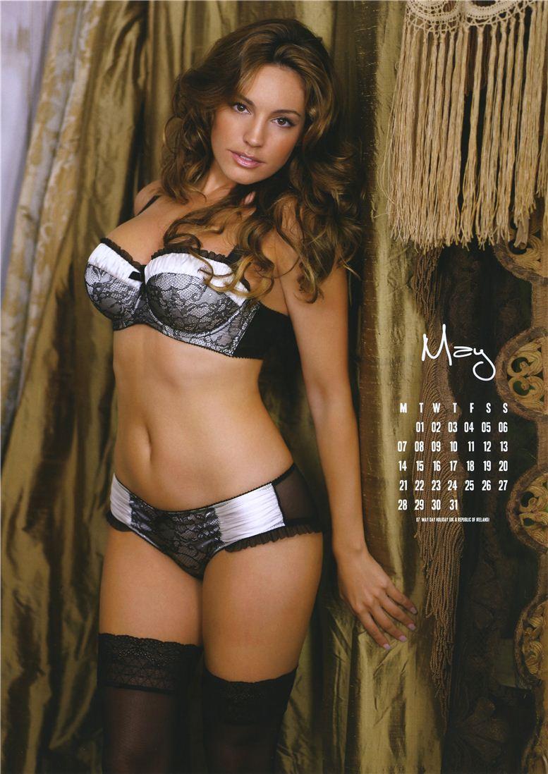 Kelly Brook / Келли Брук - официальній календарь на 2012 год - май