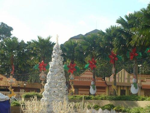 Украшения Куала-Лумпур к Новому году.