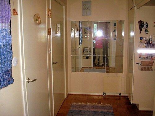 До ремонта зеркало в коридоре большое уже было