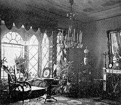Будуар в 1870-х годах. Фарфоровый камин Миклашевского и малахитовые с бронзой часы