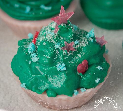 """Кексы """"новогодние ёлки"""" - мыльные поделки к новому году своими руками!"""