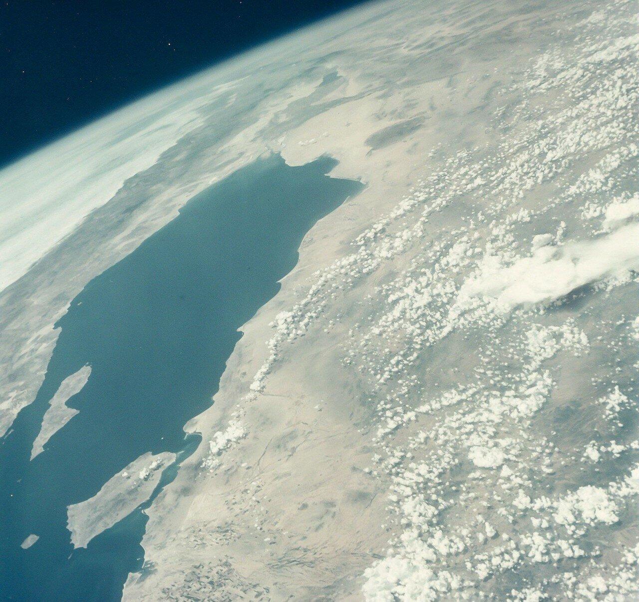 37. 1965, август. Калифорнийский залив из космоса во время полета  «Джемини»-5