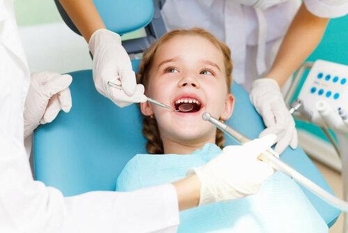 http://www.dentalfantasy.ru/articles/primenenie-v-detskoy-stomatologii-sevorana/