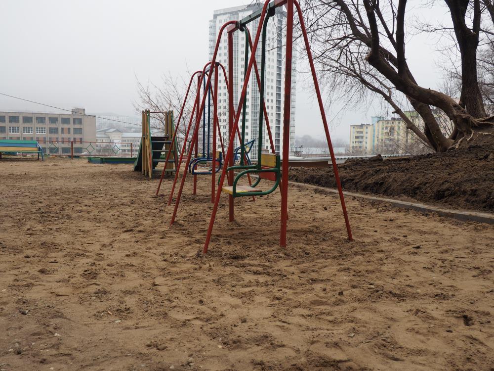 Ремонт детской площадки 05 апреля 2016 года
