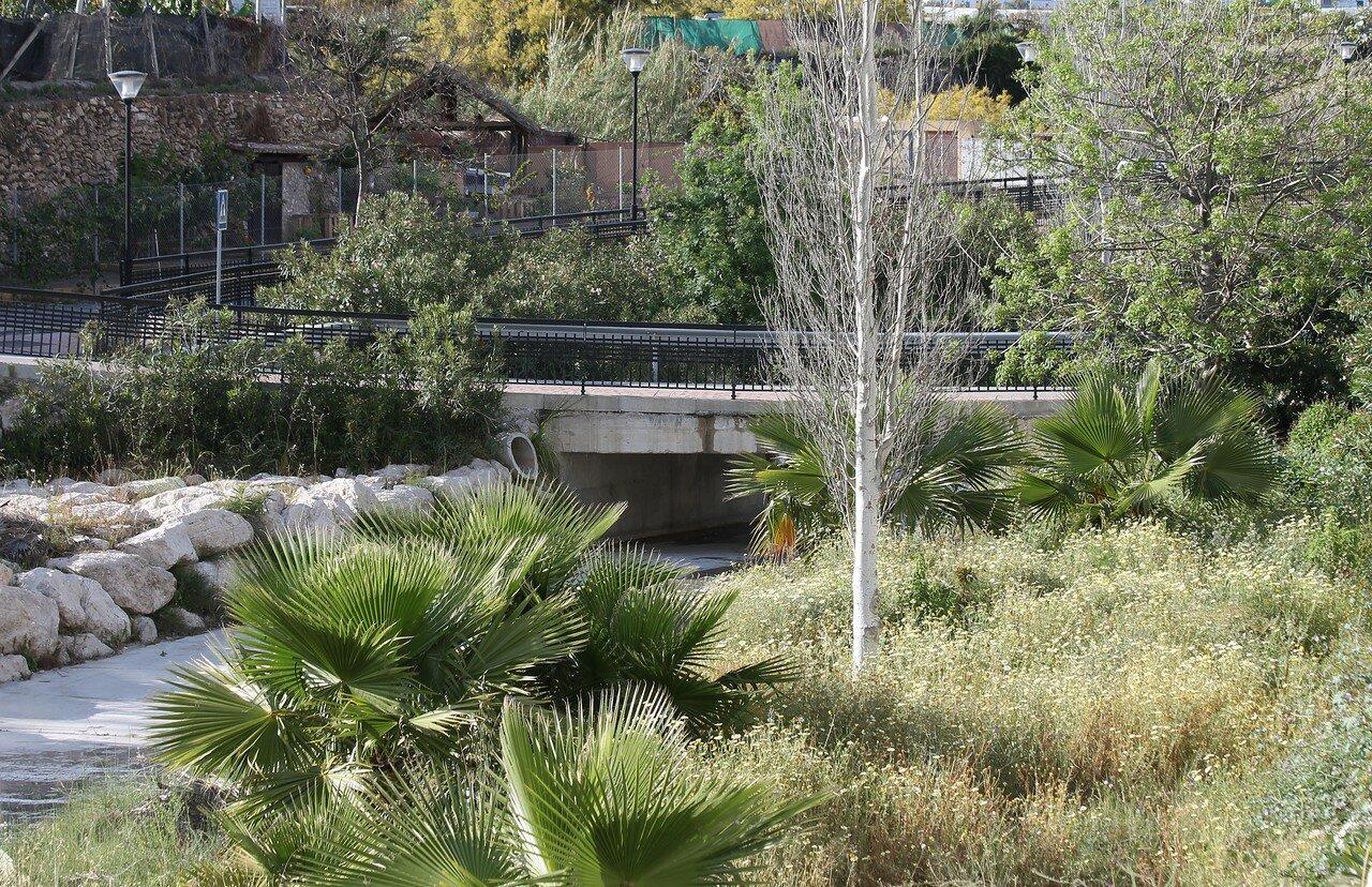 Нерха. Набережная реки Чильяр (River Chillar)