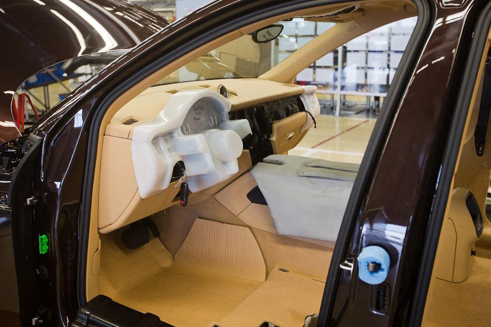 23. Монтаж дверей с помощью робота-манипулятора.