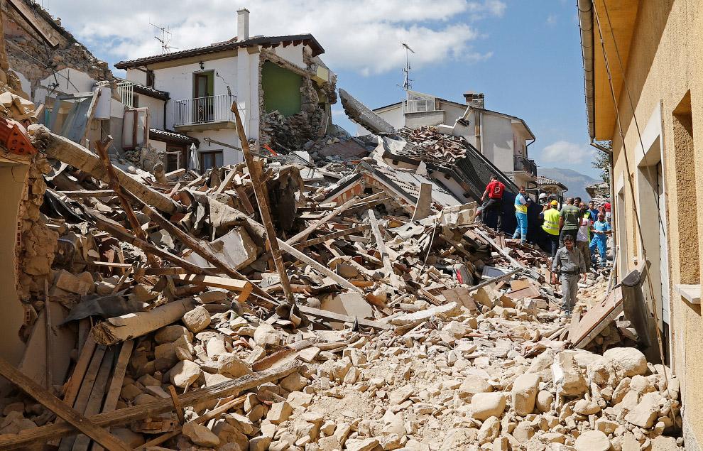 14. После землетрясения в Италии, 24 августа 2016. (Фото Massimo Percossi):