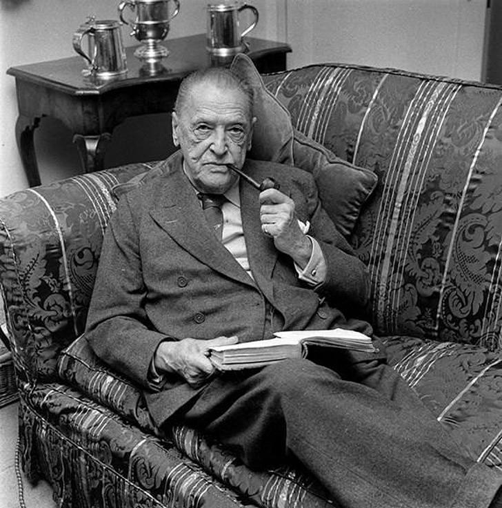 15. Сомерсет Моэм (1874–1965) за 92 года жизни опубликовал 78 книг. Биограф Моэма называл его работу