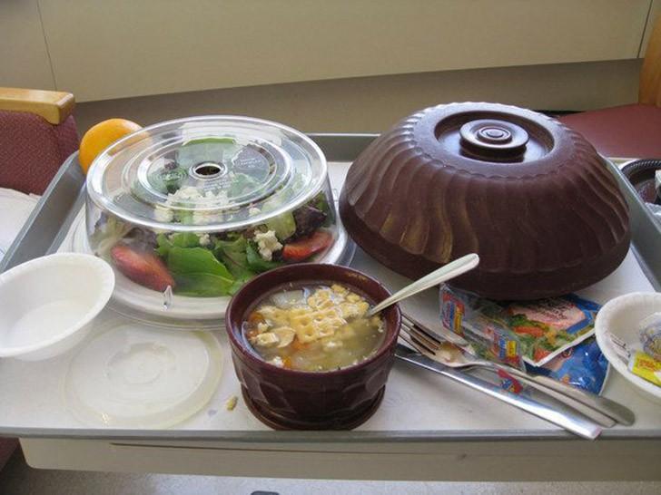 5. Массачусетс, США: салат, куриный суп с крекерами, апельсин.