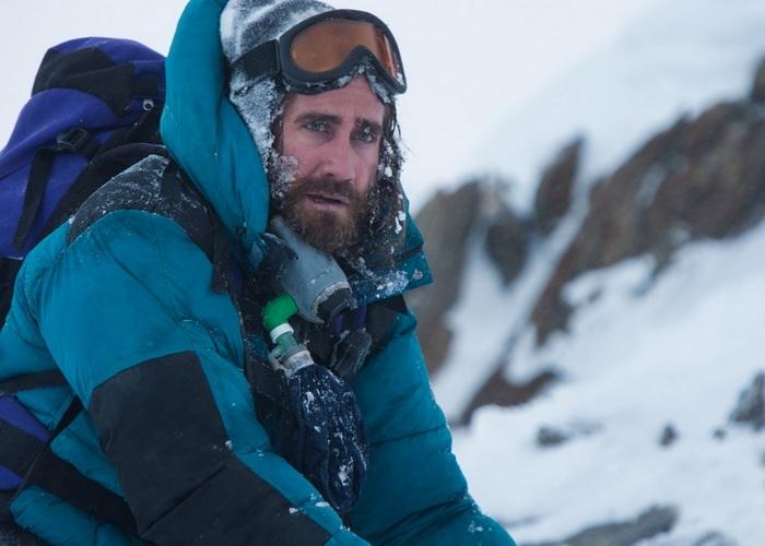 Расположенная в горах Гималаи, вершина Эверест является объектом внимания множества альпинистов. Уже