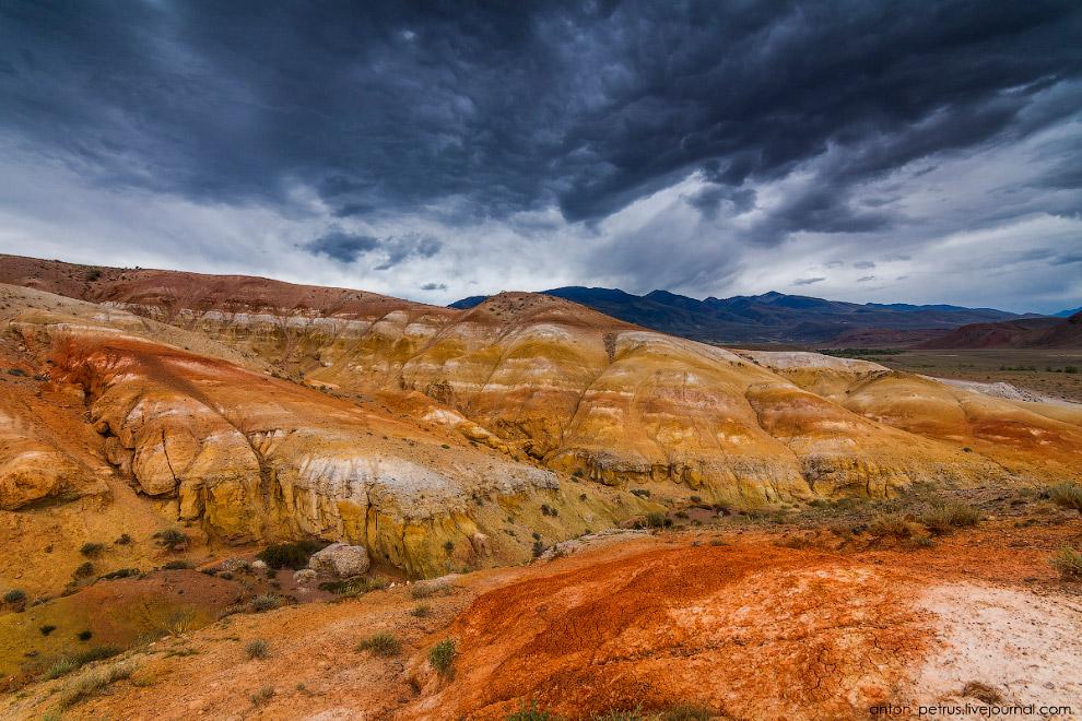 5. Очень необычно такие облака смотрелись на фоне марсианских ландшафтов. Создавалось ощущение