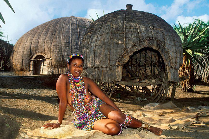 1. Любовные хижины зулусов После окончания «букетно-конфетного периода» у зулусов принято строить дл