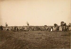 Солдаты 4-й роты 7-го железнодорожного батальона на бивуаке.