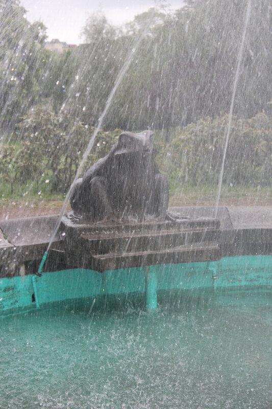 Der Froschbrunnen, Flensburg 2014, Tag an dem er in diesem Jahr in Betrieb genommen wird