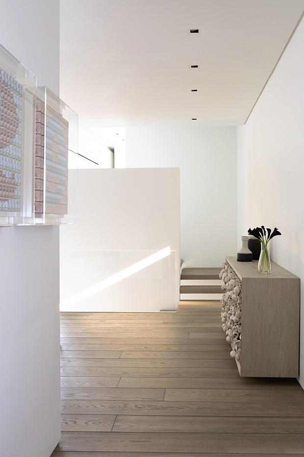 4 East 62nd Street Apartment by Arthur Casas and Sagewood Construction