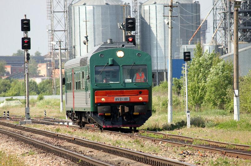 АЧ2-101 пригородным поездом 6432 Вязьма - Ржев-Балтийский на станции Сычёвка