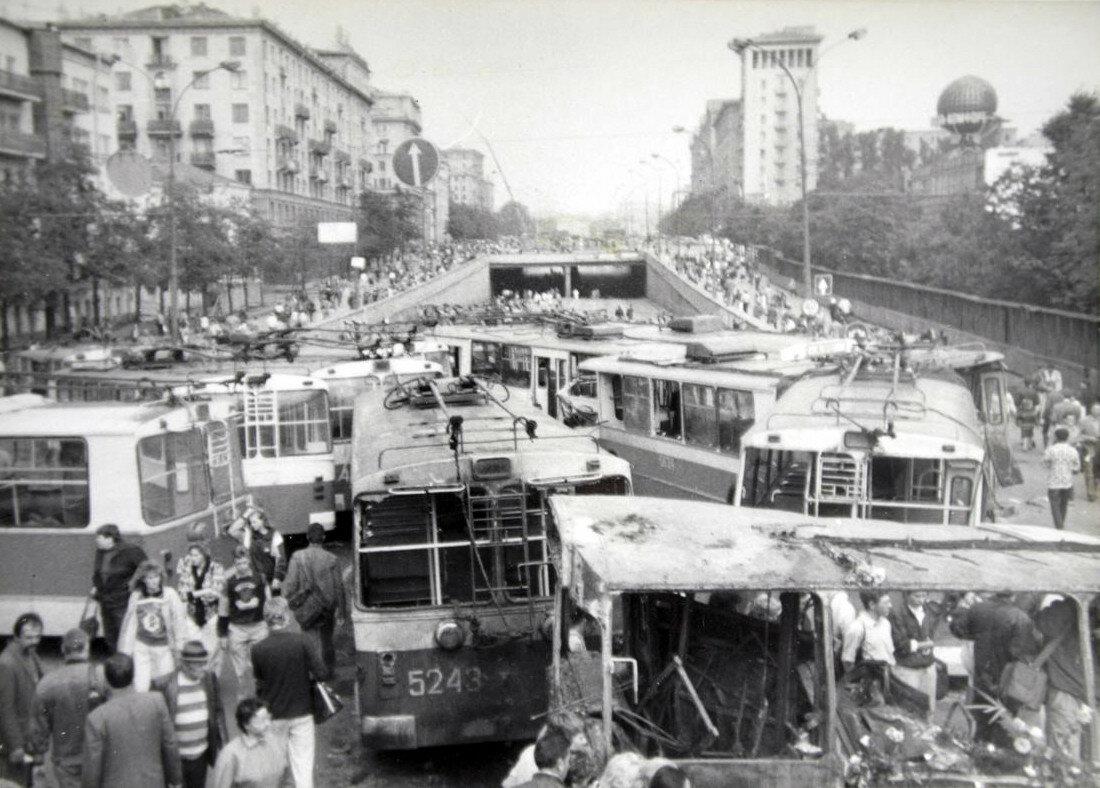 147672 1991 путч Новинский Формин.jpg