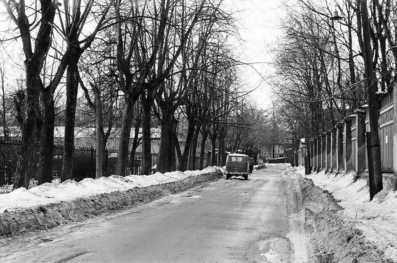 1973. Малый Олений переулок. Вид в сторону Большой Оленьей улицы