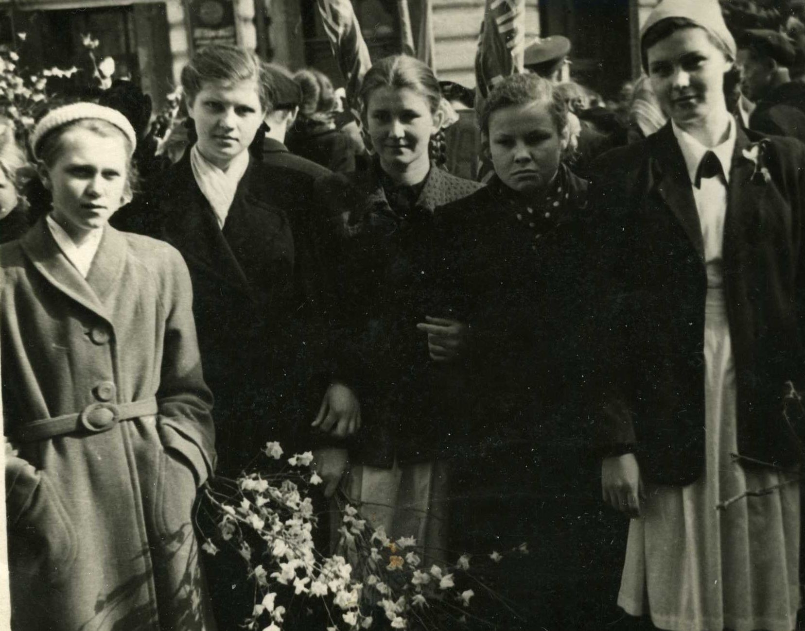 Бесплатно смотреть старшеклассник поднял юбку старшеклассницы занимаются с ексом фото 59-965
