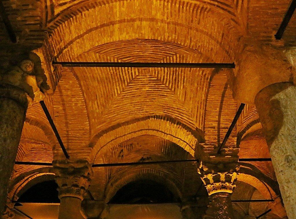 Стамбул. Цистерна Базилика (Yerebatan Sarnici)