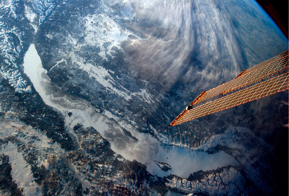 12. Несмотря на то, что озеро Байкал внесено в список Всемирного наследия ЮНЕСКО, оно находится