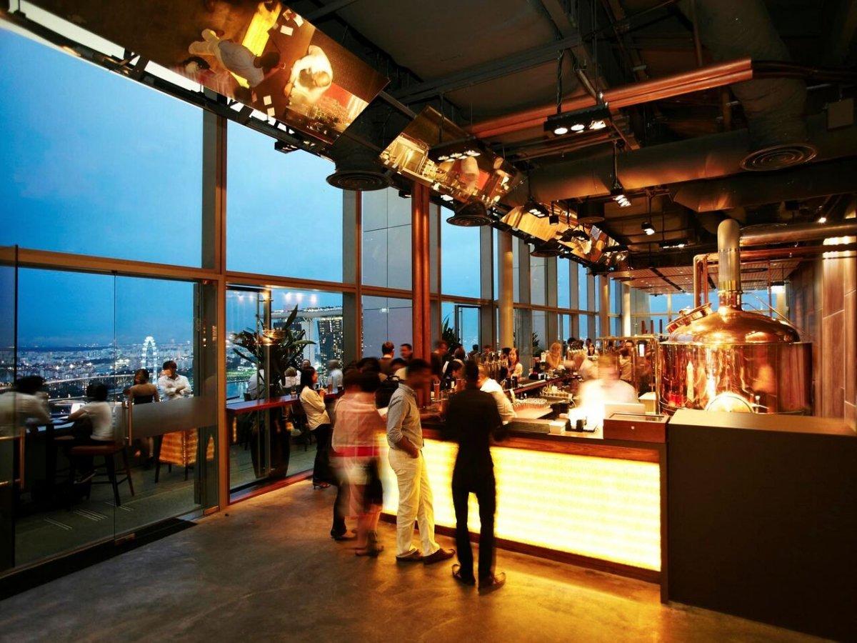 LeVeL33 названа так потому, что является самой высокой пивоварней в черте города. Это супер-современ