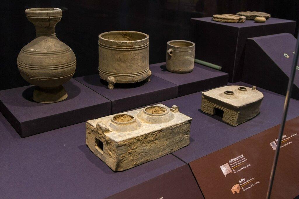 Изделия из глины, эпоха Хань, Музей района Хайдянь