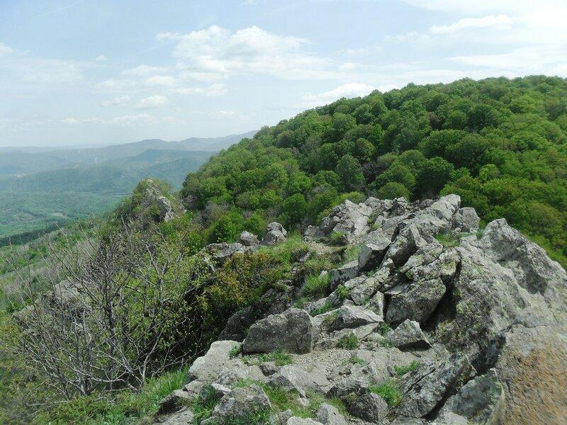 На скалах, обзор с вершины ... SAM_6775.JPG