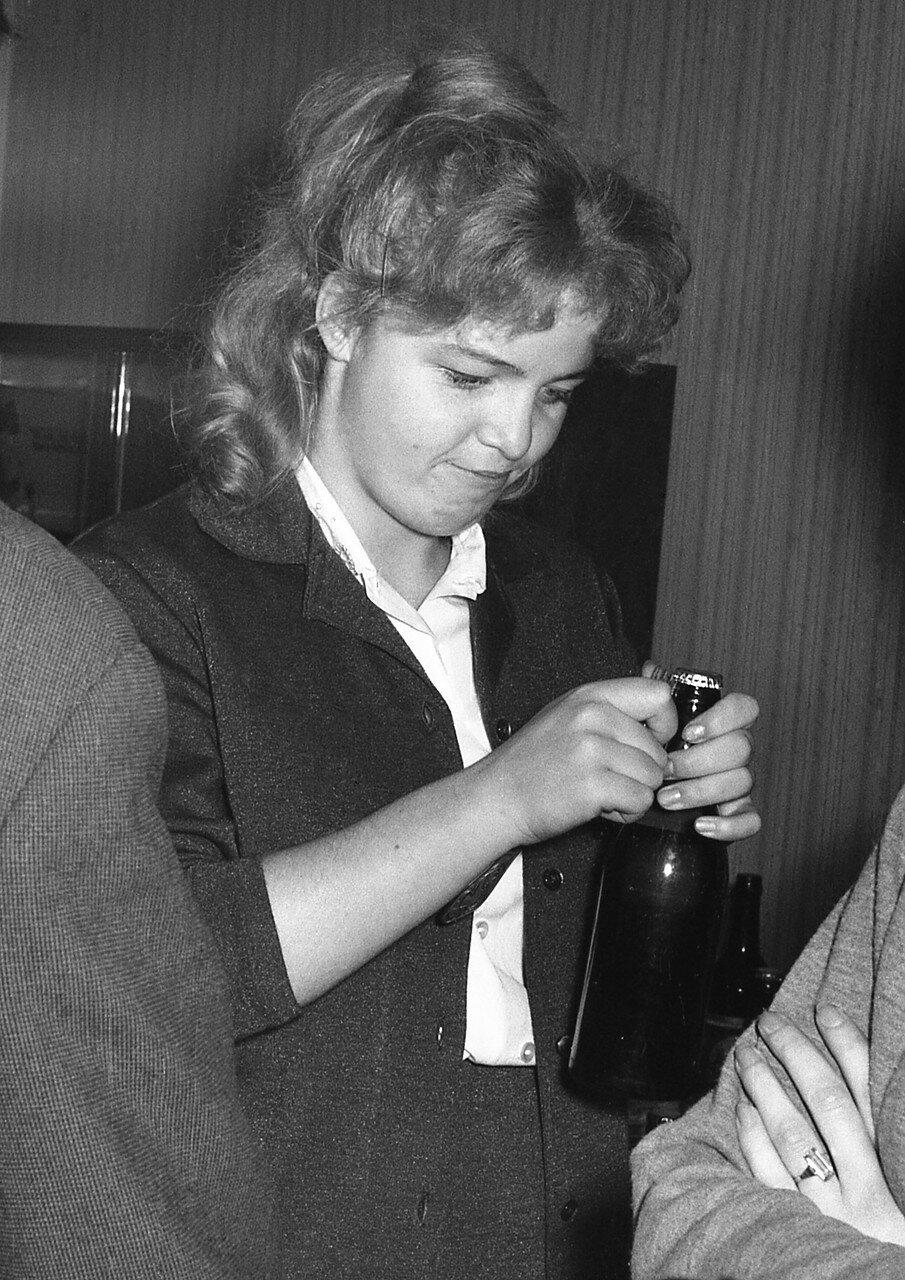 27. Наташа Оборотова