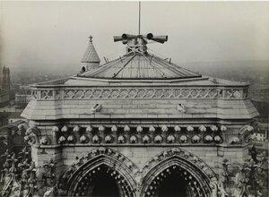 1917. Сигнальная сирена на башне Нотр-Дам де Пари