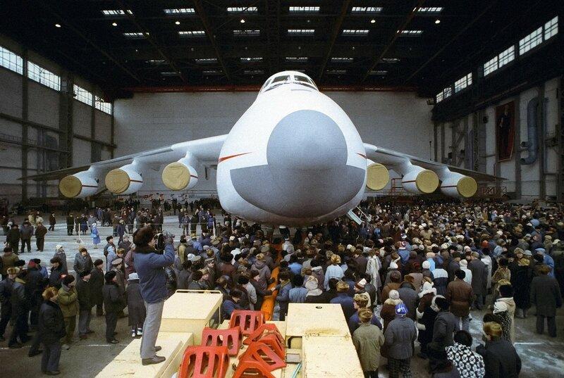 1988 АН-225 «Мрия». Игорь Костин. РИА Новости.jpg