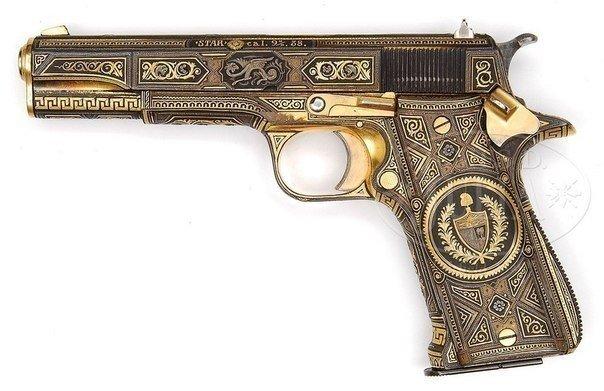 Пистолет Френка Синатры, который подарила ему сицилийская мафия.jpg