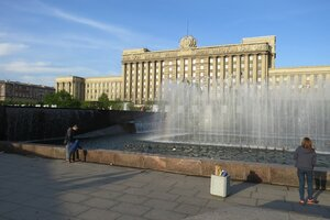 Интересные места и достопримечательности - Фонтанный комплекс на Московской площади в Санкт-Петербурге