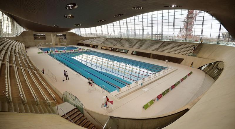 Центр водных видов спорта в Лондоне.