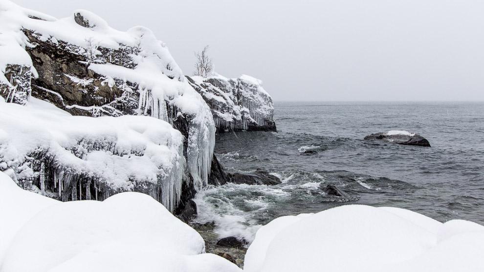 15. Байкал готовится к зиме.