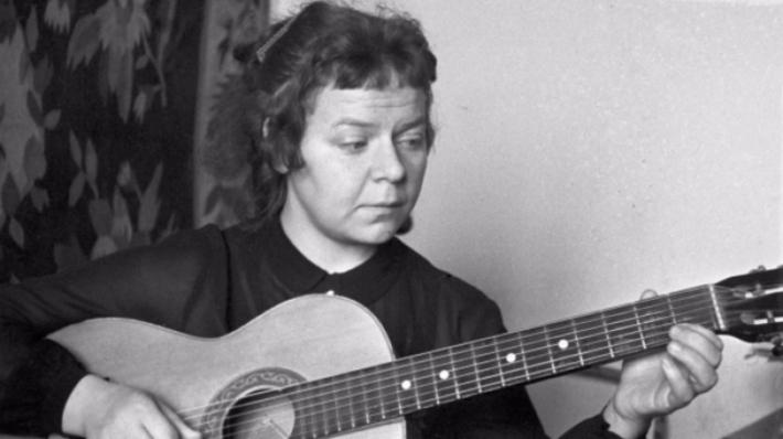 Скончалась известная поэтесса Новелла Матвеева