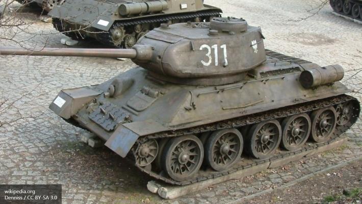 МинобороныРФ показало танк «Армада» вдействии