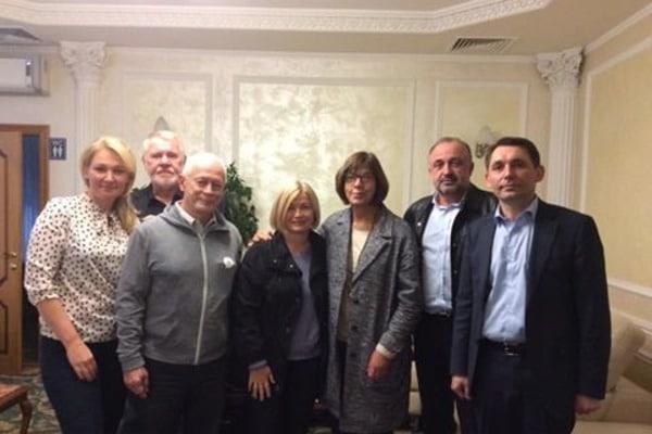Донбасс осмелились посетить только три депутата Европарламента