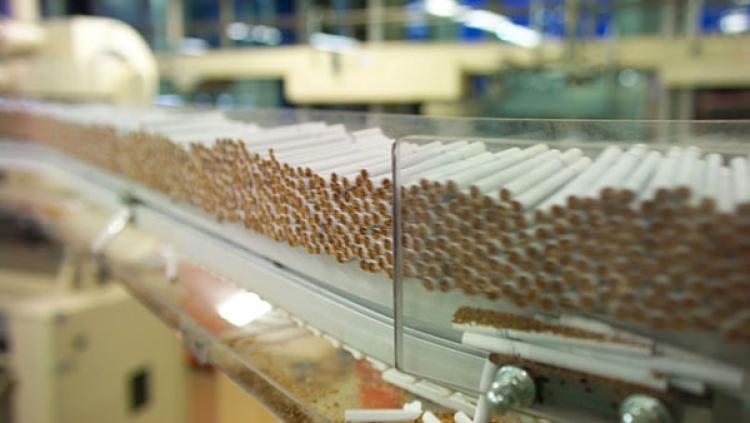 Порошенко подписал закон оповышении акцизов насигареты иалкоголь