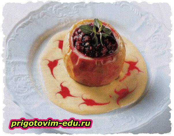 Залеченные яблоки с ванильным соусом