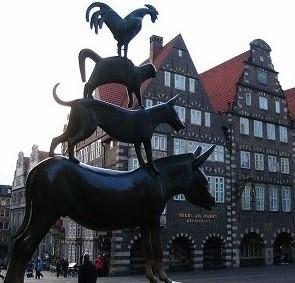 Германия, город Бремен. Скульптура «Бременские музыканты».